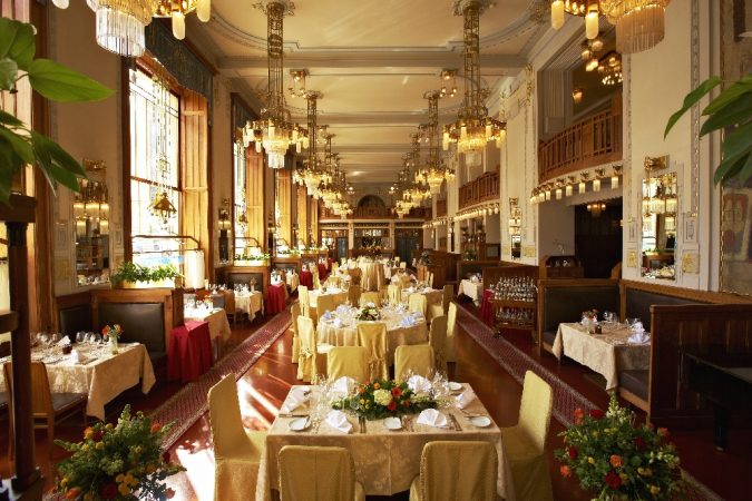 Municipal-House-the-French-restaurant-Brague-675x450 Top 10 Things to Do in Prague Evenings
