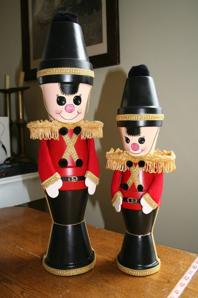 Pot-Soldiers-christmas-decoration-675x1012 7 Top Upcoming Christmas Decoration Ideas 2018