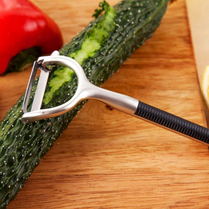 Razor-Vegetable-Peeler-kitchen-product-675x675 Top 10 Unusual Kitchen Products Coming in 2018
