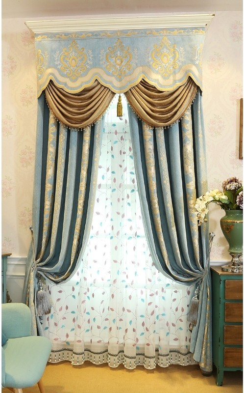 blackout-curtains-with-tassels-1 7 Luxurious Blackout Curtain Ideas That Will Turn Your Window into a Piece of Art