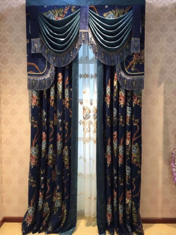 blackout-curtains-with-tassels-2 7 Luxurious Blackout Curtain Ideas That Will Turn Your Window into a Piece of Art