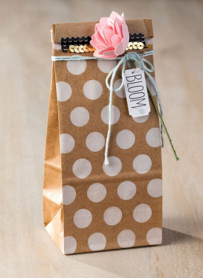 brown-bag-gift-packaging-675x924 15 Best Things to Consider Before Presenting a Gift