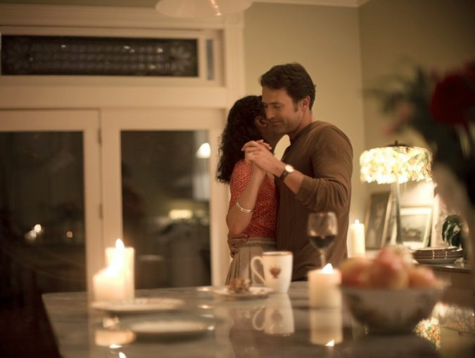 couple-dancing-dinner-table-home-675x510 5 Must-have Moments Every Couple Should Experience