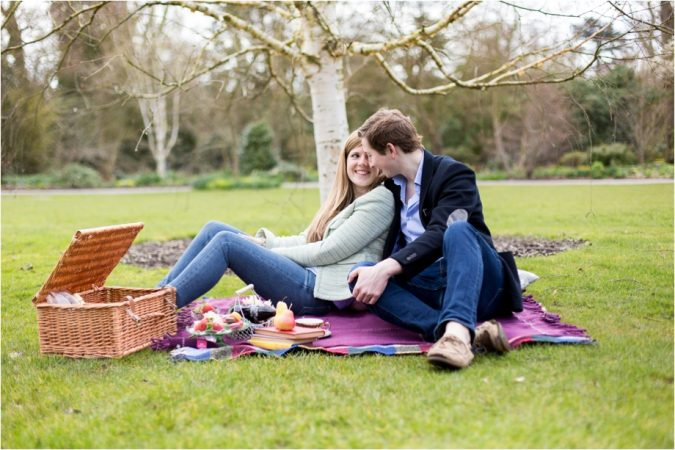 couple-picnic-food-2-675x450 Experts Reveal 10 Relationship Secrets to Make Your Partner Feel Special