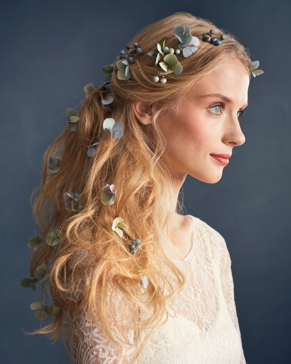 flower-hairstyles-flower-hair-accessories Top 10 Unusual Hair Products to Use in 2018