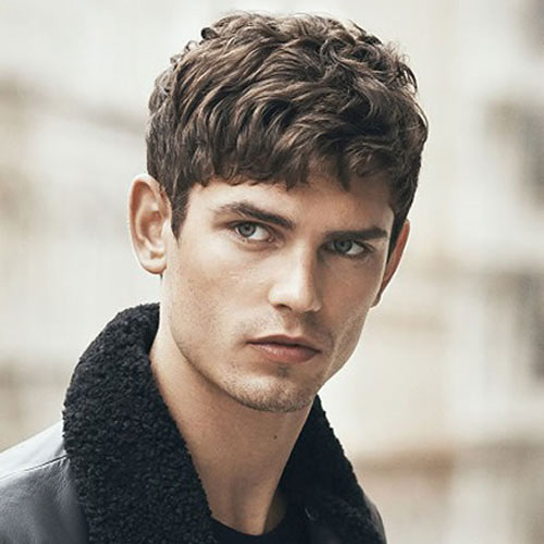 frrr 10 Hairstyles Will Suit Men with Oval Faces