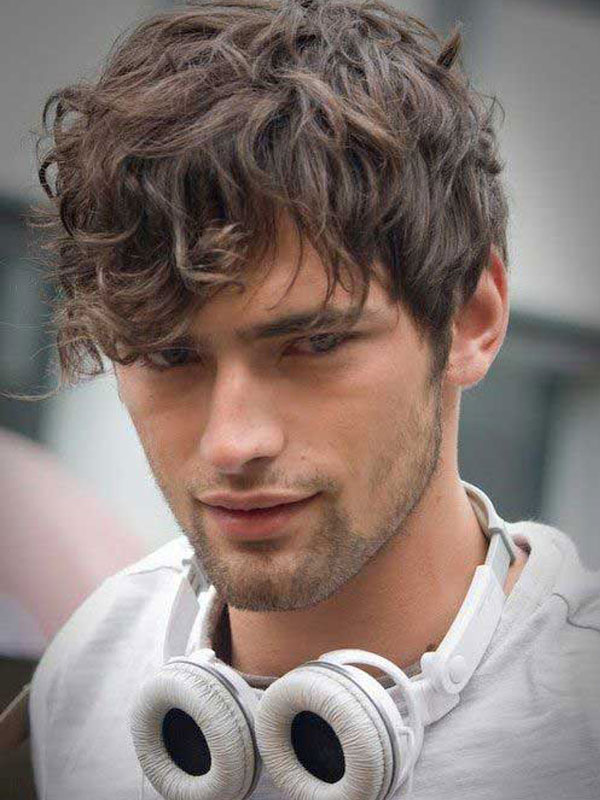 frrrr 10 Hairstyles Will Suit Men with Oval Faces