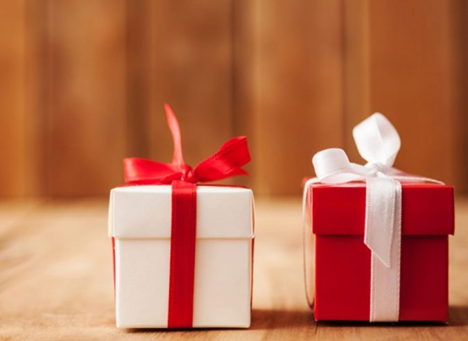 gifts-1-675x492 15 Best Things to Consider Before Presenting a Gift
