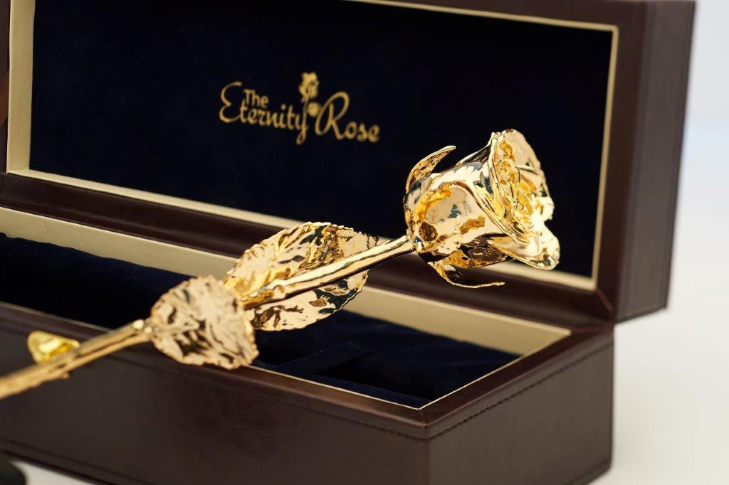 gold-eternity-rose-head Eternity Rose As a Perfect Romantic Gift to Express Your True Love