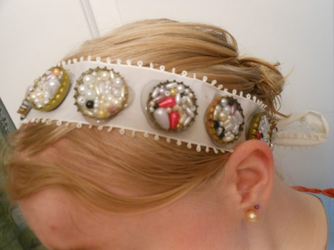 hair-accessory-with-recycled-Bottle-Cap-2-675x506 Top 10 Unusual Hair Products to Use in 2018