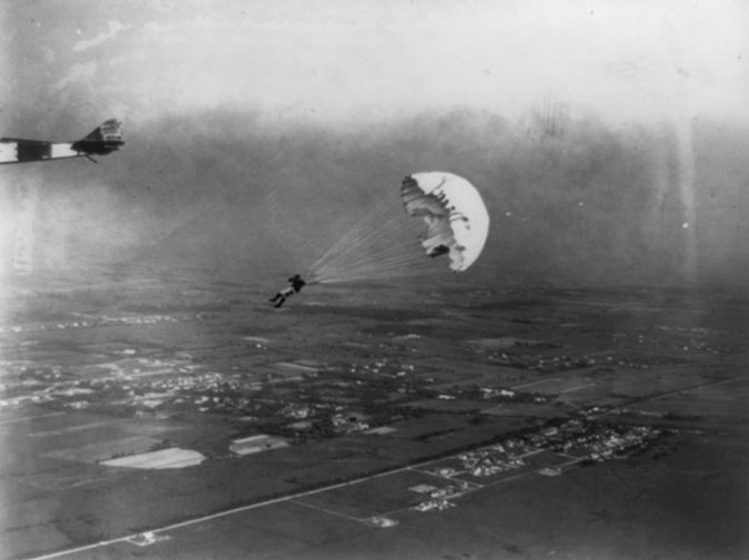 leslie-irvins-first-jump-675x505 History of Skydiving: The Ultimate Thrill