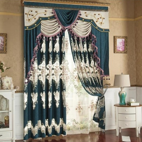 stunning-valances-11 7 Luxurious Blackout Curtain Ideas That Will Turn Your Window into a Piece of Art