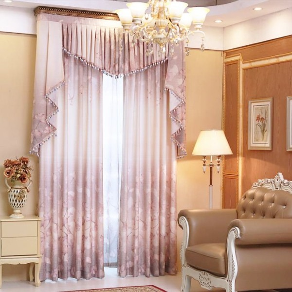 stunning-valances-12 7 Luxurious Blackout Curtain Ideas That Will Turn Your Window into a Piece of Art