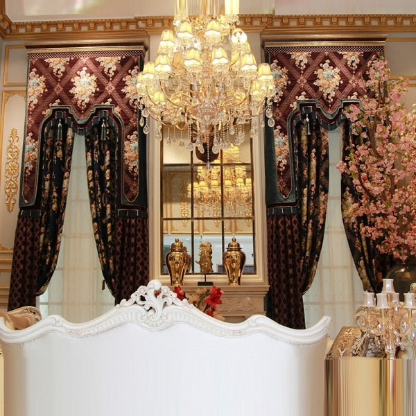 stunning-valances-4 7 Luxurious Blackout Curtain Ideas That Will Turn Your Window into a Piece of Art