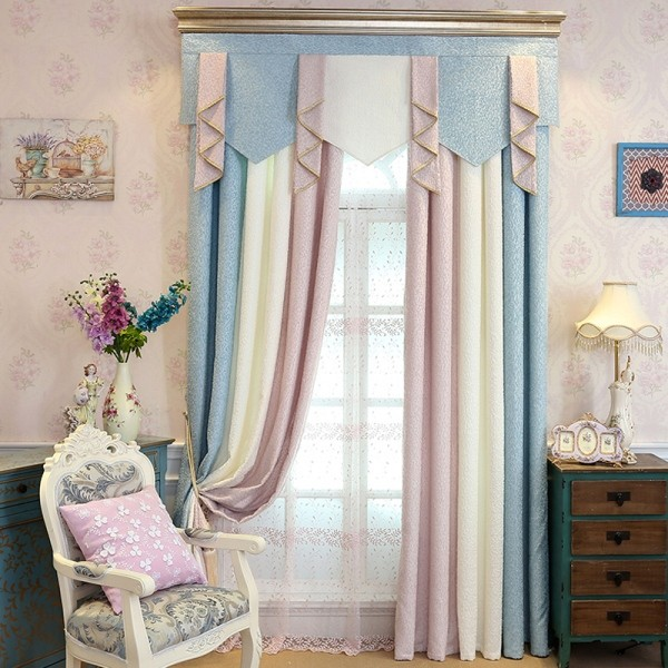 stunning-valances-5 7 Luxurious Blackout Curtain Ideas That Will Turn Your Window into a Piece of Art
