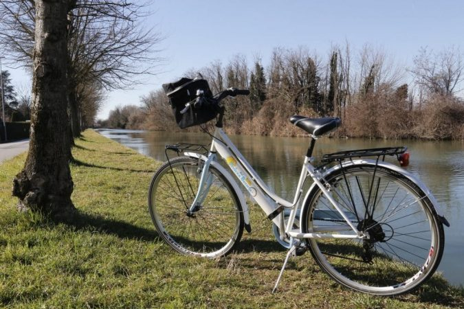 Bicycle-and-wine-tasting-Bicycle-excursion-Brenta-waterway-675x450 Top 10 Must-Have Men Christmas Gifts In 2018