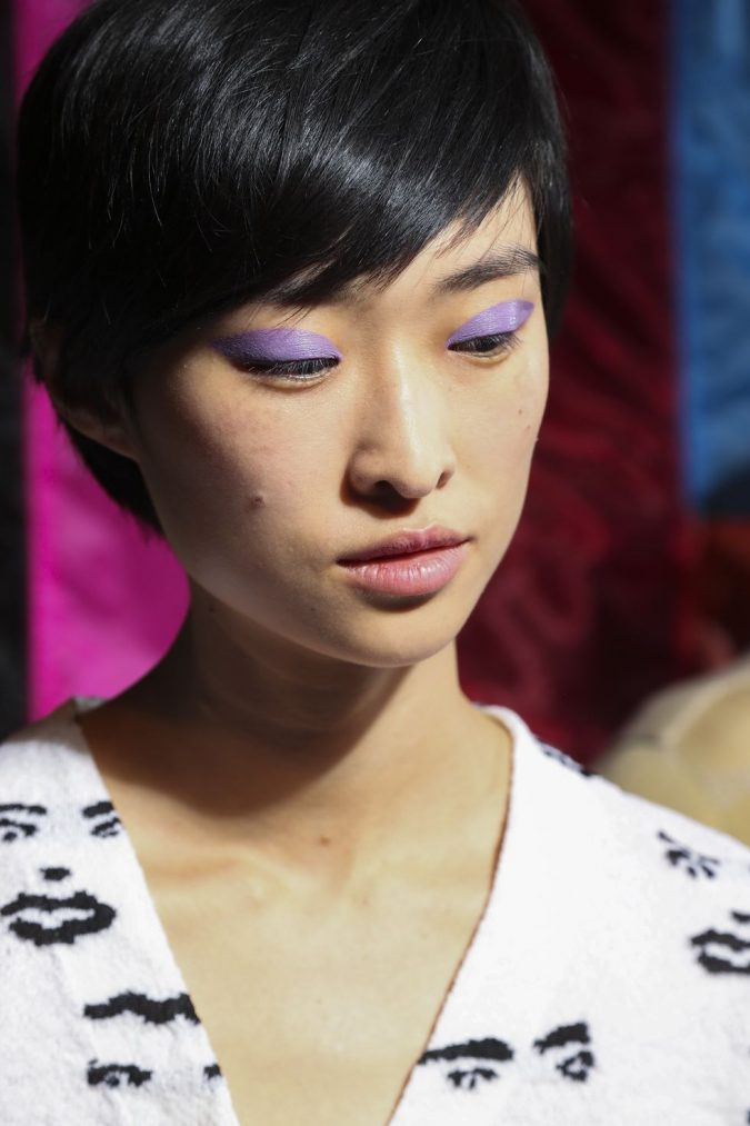 Bold-Lilac-Eye-makeup-spring-summer-2018-hair-makeup-trends-missoni-675x1013 11 Exclusive Makeup Ideas for a Gorgeous Look in 2020