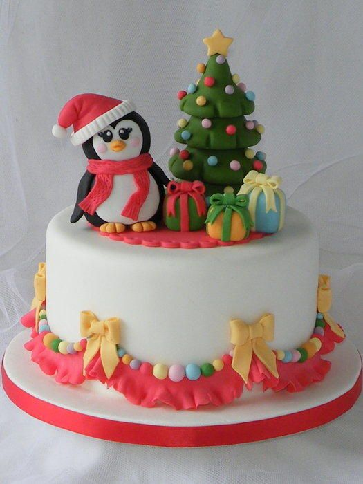 Christmas-cake-decoration-Penguins-fondant Top 10 Mouth-watering Christmas Cake Decorations 2018