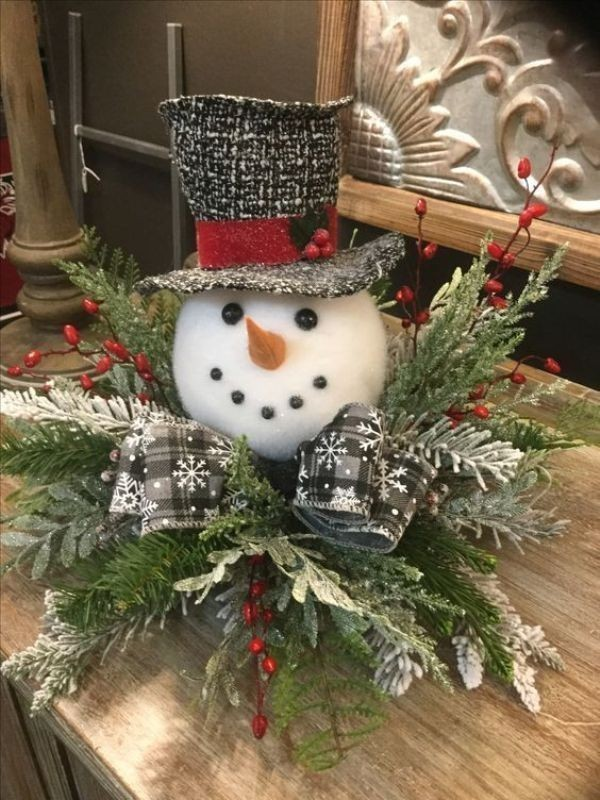 Christmas-decoration-ideas-132 97+ Awesome Christmas Decoration Trends & Ideas 2018