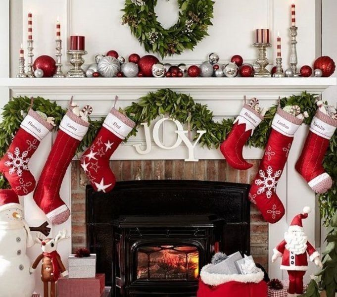 Christmas-decoration-ideas-153 97+ Awesome Christmas Decoration Trends & Ideas 2018