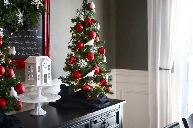 Christmas-decoration-ideas-171 97+ Awesome Christmas Decoration Trends & Ideas 2018
