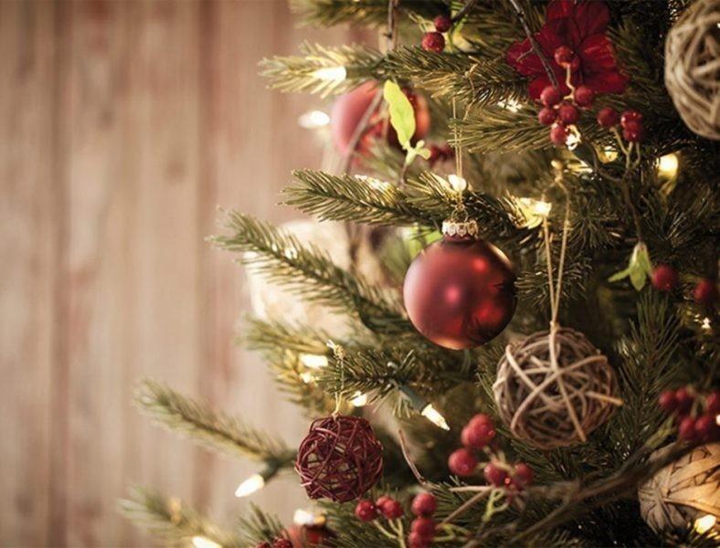 Christmas-tree-decoration-ideas-2018-150 96+ Fabulous Christmas Tree Decoration Ideas 2020