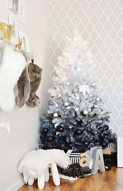 Christmas-tree-decoration-ideas-2018-21 96+ Fabulous Christmas Tree Decoration Ideas 2018