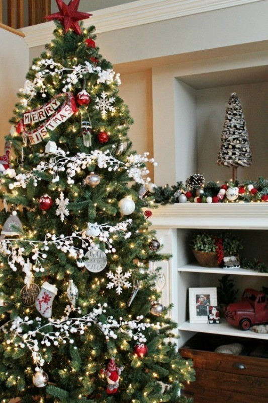 Christmas-tree-decoration-ideas-2018-32 96+ Fabulous Christmas Tree Decoration Ideas 2018