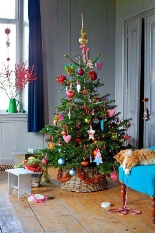 Christmas-tree-decoration-ideas-2018-37 96+ Fabulous Christmas Tree Decoration Ideas 2018