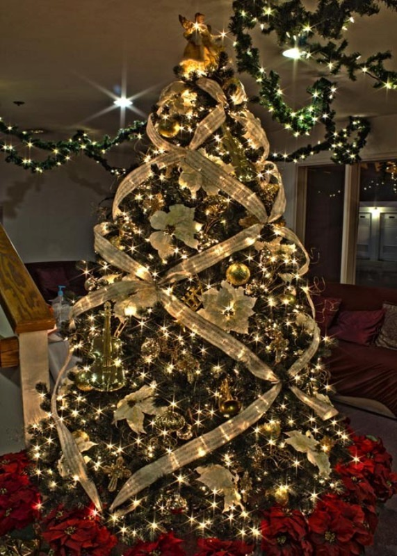 Christmas-tree-decoration-ideas-2018-79 96+ Fabulous Christmas Tree Decoration Ideas 2018