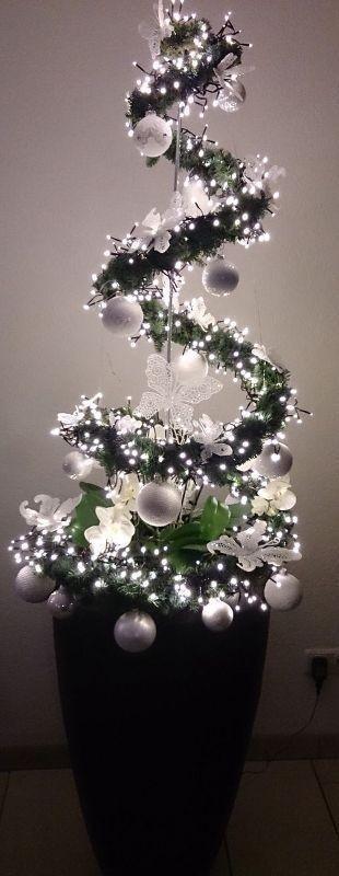Christmas-tree-decoration-ideas-2018 96+ Fabulous Christmas Tree Decoration Ideas 2018
