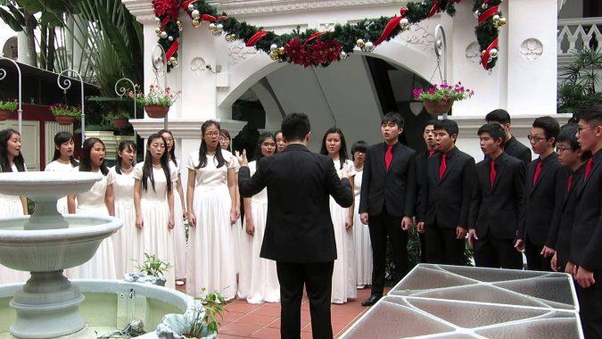 Christmas-wedding-choir-675x380 8 Festive Tips for a Christmas-Themed Wedding