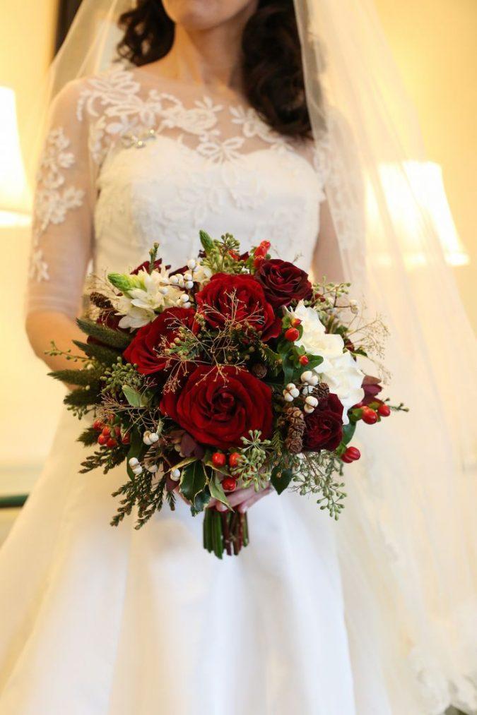 Christmas-winter-wedding-bouquet-675x1013 8 Festive Tips for a Christmas-Themed Wedding