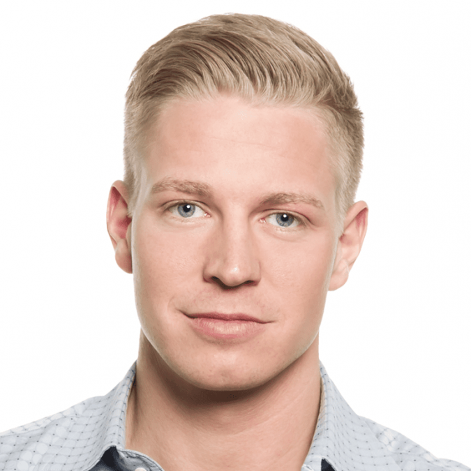 Classic-Fade-classic-medium-taper-haircut-men-675x675 6 Fashionable Hairstyles Every Man in His 30's Should Nail