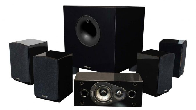 Classic-Home-Theater-System-675x380 10 Must-Have Christmas Gift Ideas for Men In 2020