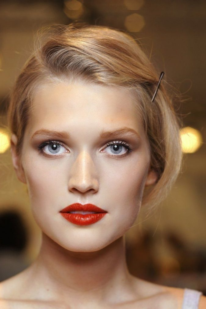 Classic-Red-Lips-with-Barely-there-Eye-Makeup-bridal-beauty-675x1013 Makeup Trends for a Gorgeous Look in 2018