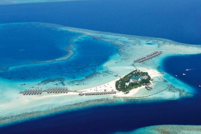 Constance-Moofushi-Resort-Maldives-675x450 The 12 Most Relaxing and Meditative Holiday Destinations in Asia