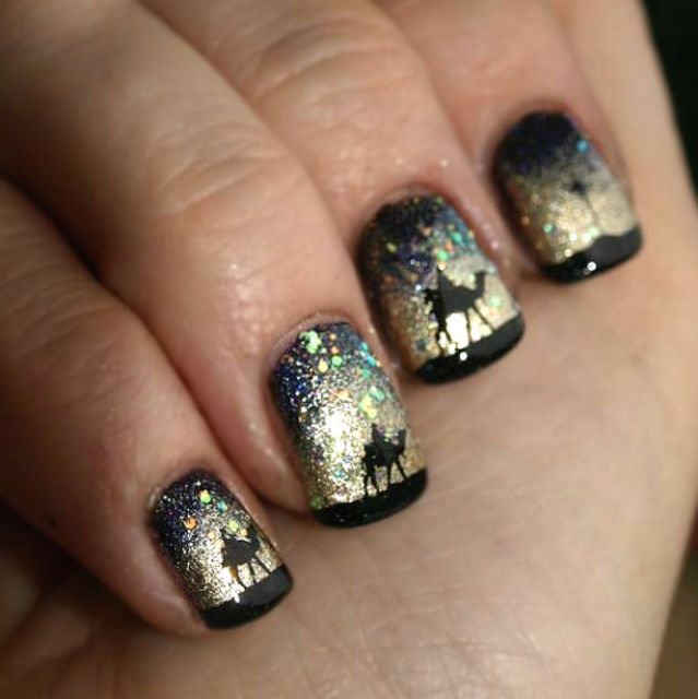 Golden-desert-and-camels-nail-art Top 7 Christmas Winter Nail Design Ideas 2018-2019