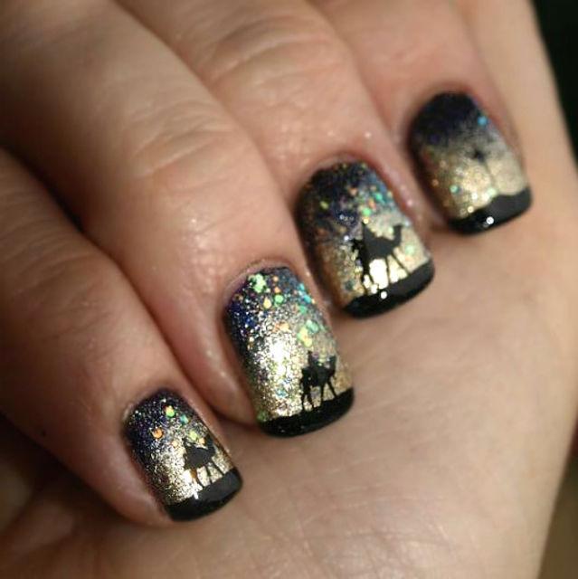 Golden-desert-and-camels-nail-art Top 7 Christmas Winter Nail Design Ideas 2020
