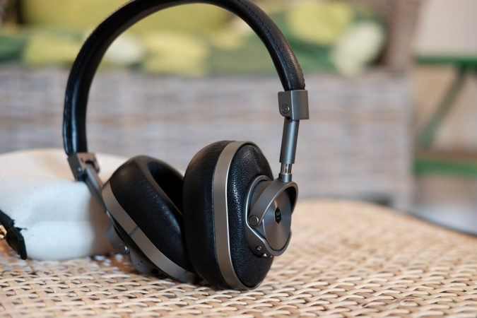 Headphone-675x450 Top 10 Fabulous Christmas Gifts for Teens in 2020