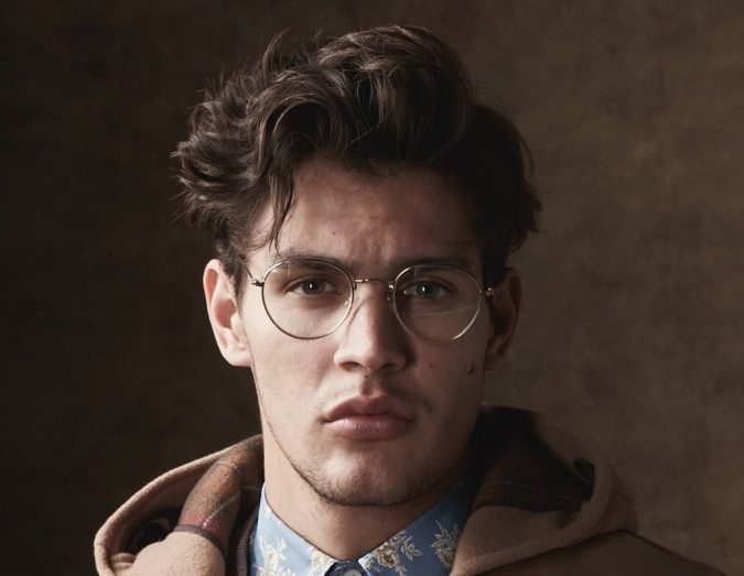 High-and-Messy-Bangs-men-hairstyle-675x523 2020 Trends: 6 Trendy Wavy Hairstyles For Men