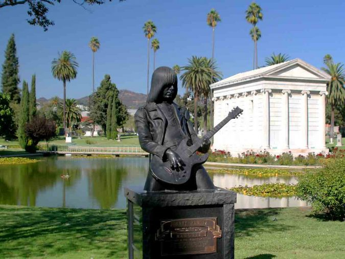 Hollywood-Forever-Cemetery-in-LA-2-675x506 Top 10 Cool & Unusual Things to Do in Los Angeles