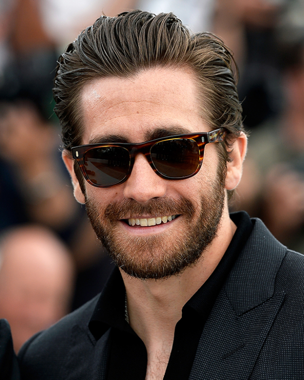 Jake-Gyllenhaal-Swept-Back-Haircut-men 6 Fashionable Hairstyles Every Man in His 30's Should Nail