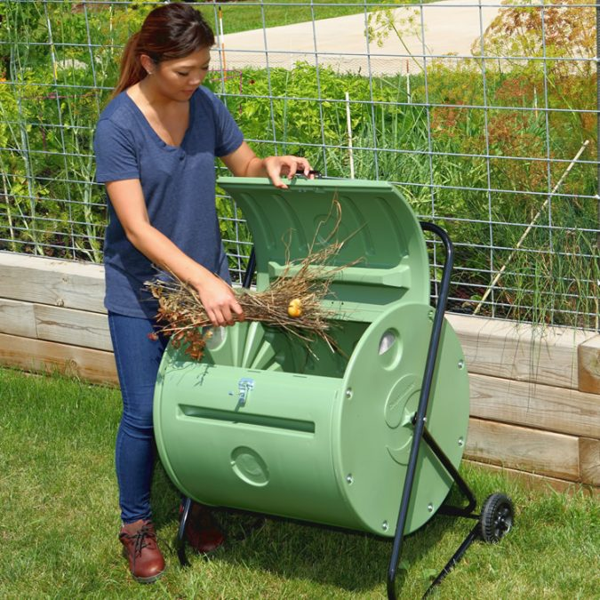 MANTIS-Back-PorchComposter-675x675 How to Choose the Right Composter