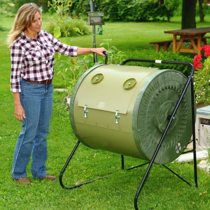 MANTIS-Compact-Composter-675x675 How to Choose the Right Composter