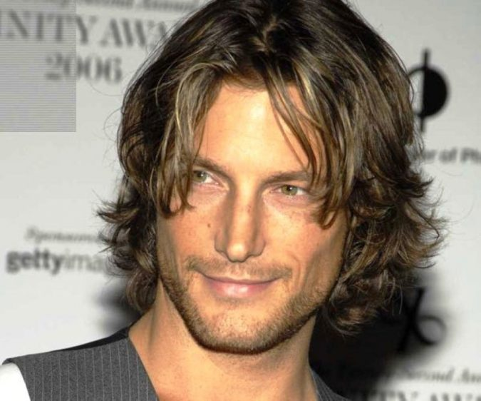 Mens-Long-shaggy-Haircut-675x562 7 Shaggy Hairstyles For Men [2020 Trends List]