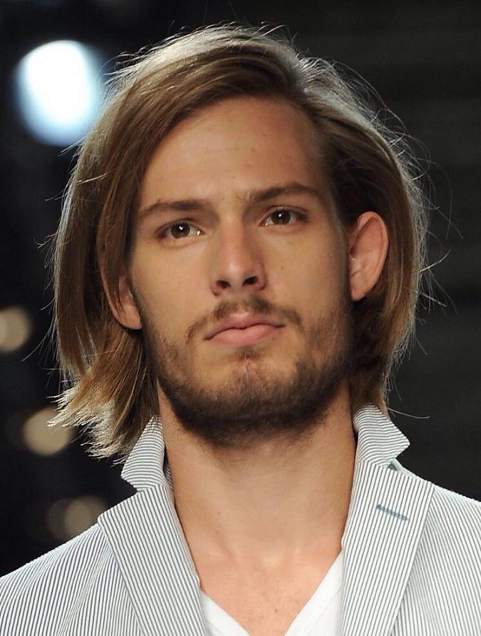 Straight-n-Shaggy-hairstyle-for-men-675x892 7 Shaggy Hairstyles For Men [2018 Trends]