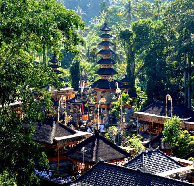 Temple-Ubud-Bali-Asian-travel-destination-675x650 The 12 Most Relaxing and Meditative Holiday Destinations in Asia