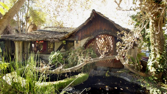 The-Hobbit-House-in-Los-Angeles-675x382 Top 10 Cool & Unusual Things to Do in Los Angeles