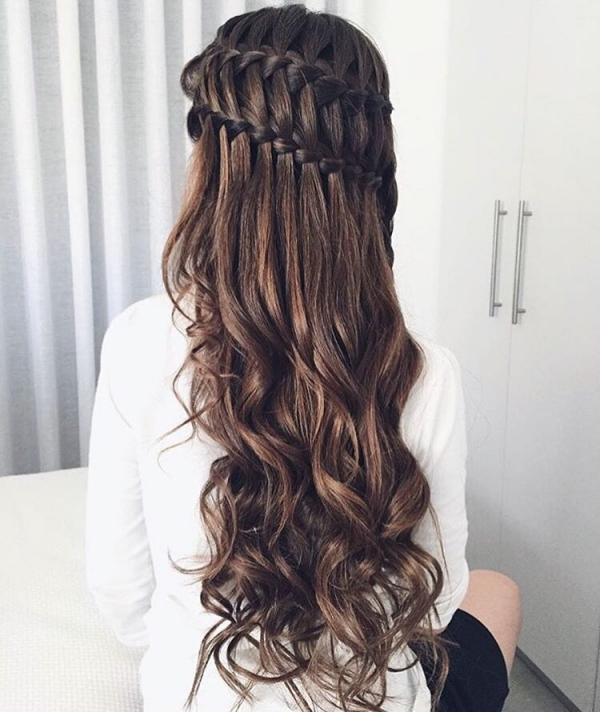 brown-hair Top 10 Best Hair Masks for Color Treated Hair